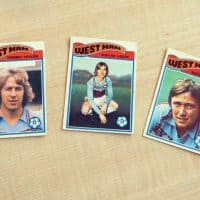 bubblegum cards of football players